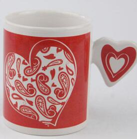 Ceramic cup with heart handle coffee mug with heart handle